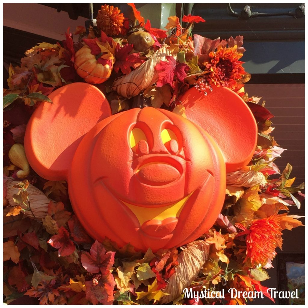 fall mickey picture